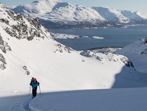 ski dans les alpes de Lyngen